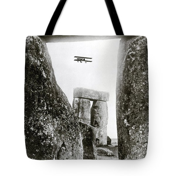 Stonehenge 1914 Tote Bag by Science Source
