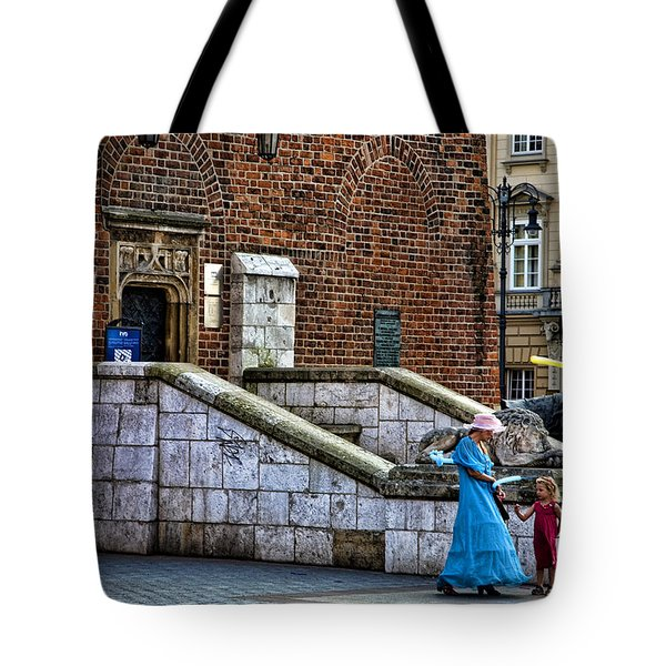 Street Artists Tote Bag by Joanna Madloch