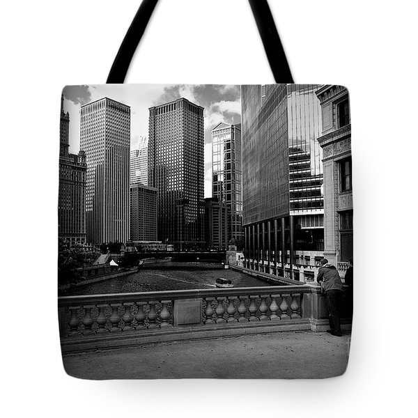 Summer On The Chicago River - Black And White Tote Bag