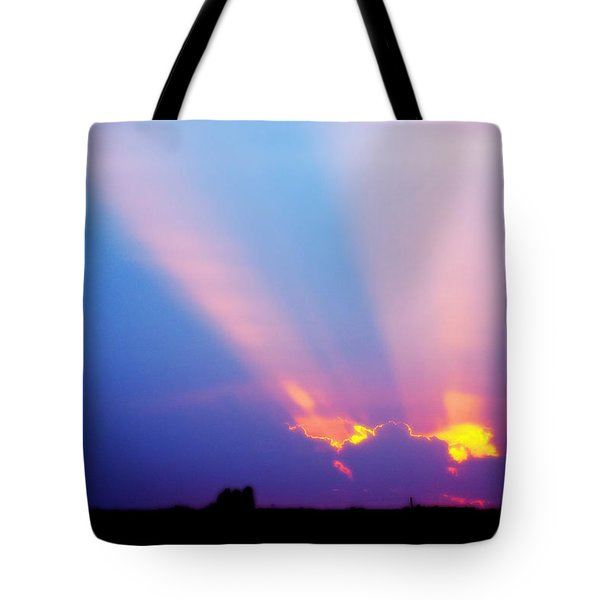 Sun Rays At Sunset Tote Bag