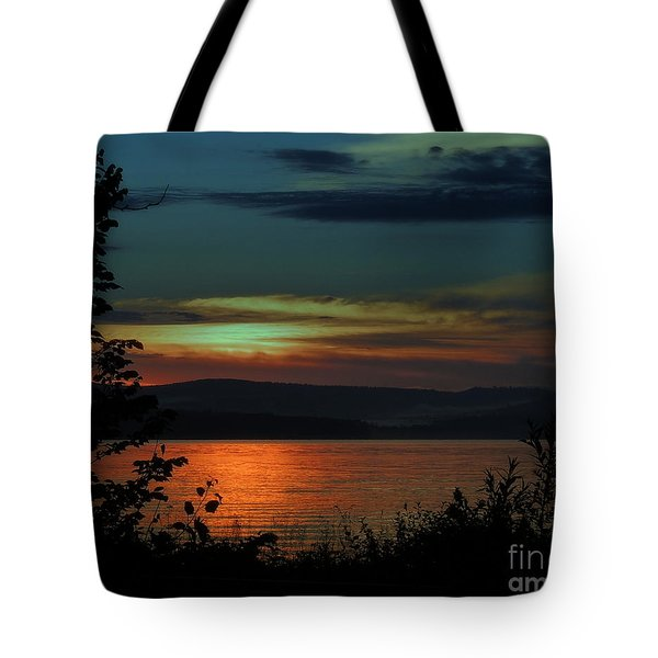 Sun Sets On Winnisquam Tote Bag