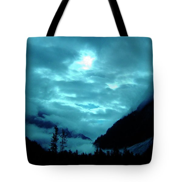 Tote Bag featuring the photograph Sunday Morning by Jeremy Rhoades