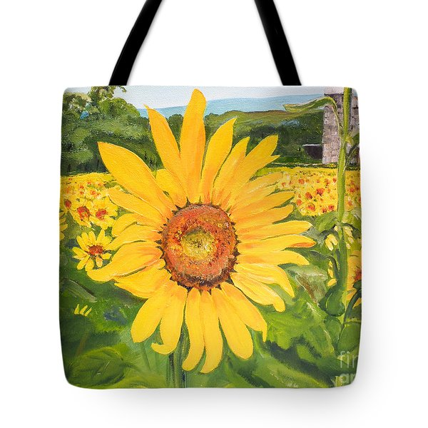 Sunflowers - Red Barn - Pennsylvania Tote Bag
