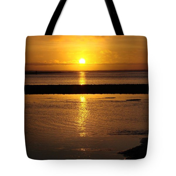 Tote Bag featuring the photograph Sunkist Sunset by Athena Mckinzie