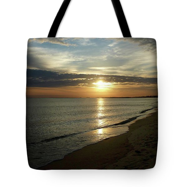 Sunrise In Norfolk Va Tote Bag by Susan Savad