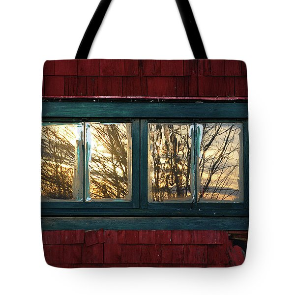 Tote Bag featuring the photograph Sunrise In Old Barn Window by Susan Capuano