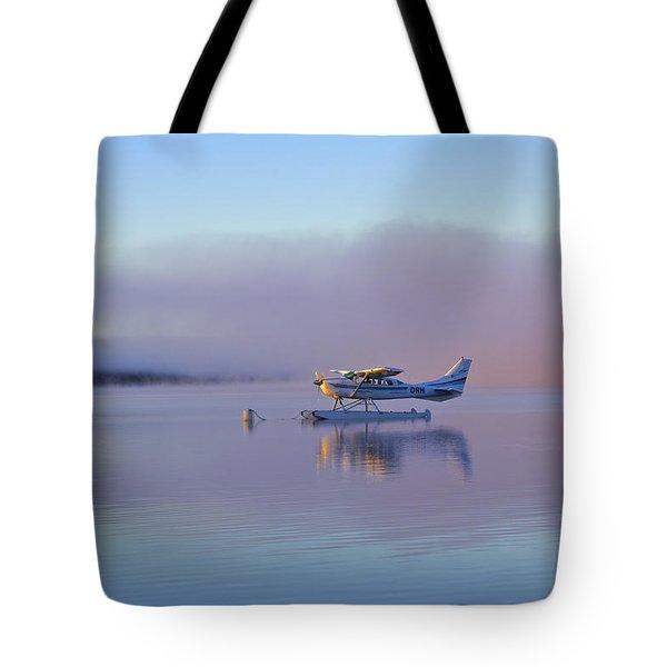 Sunrise On Lake Te Anu Tote Bag