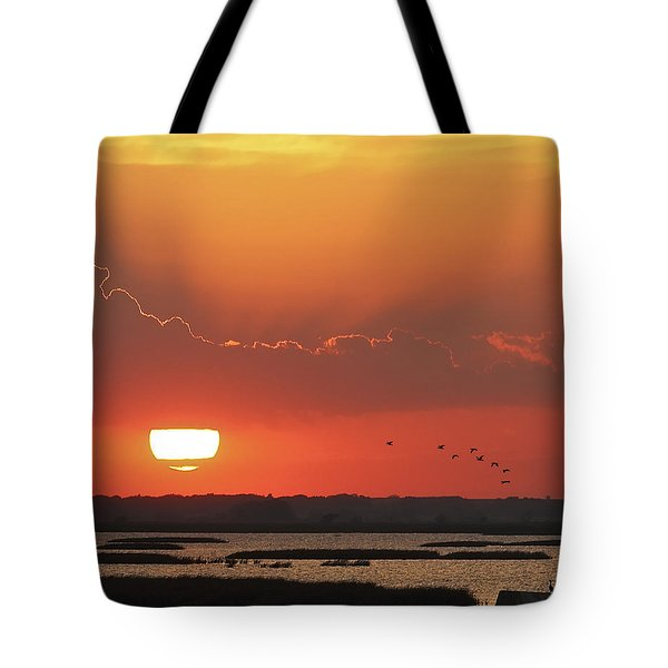 Sunset At Cheyenne Bottoms Tote Bag