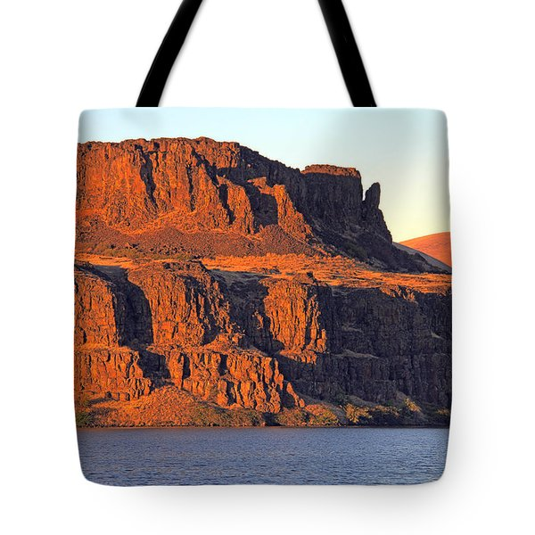 Sunset Cliffs At Horsethief  Tote Bag