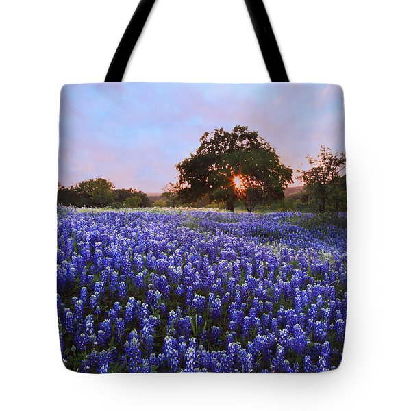 Sunset In Bluebonnet Field Tote Bag by Susan Rovira