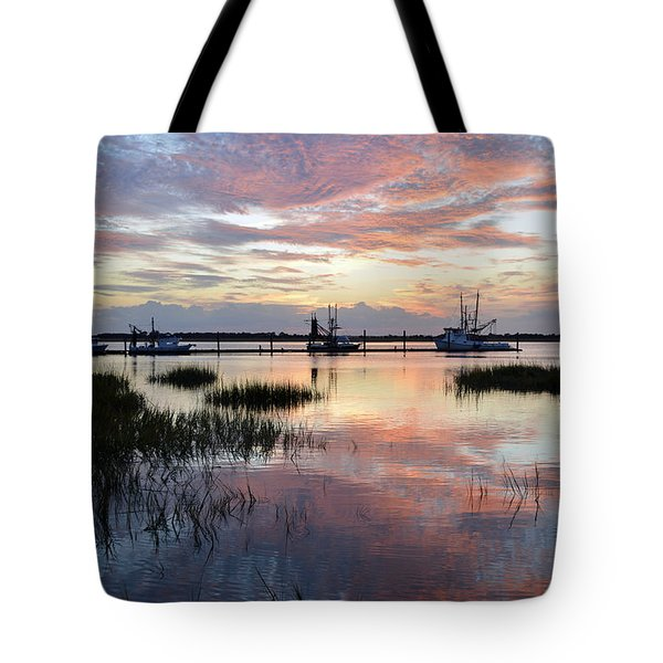 Sunset On Jekyll Island With Docked Boats Tote Bag
