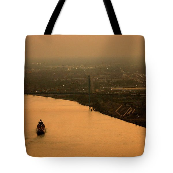 Sunset On The River Tote Bag by Linda Shafer