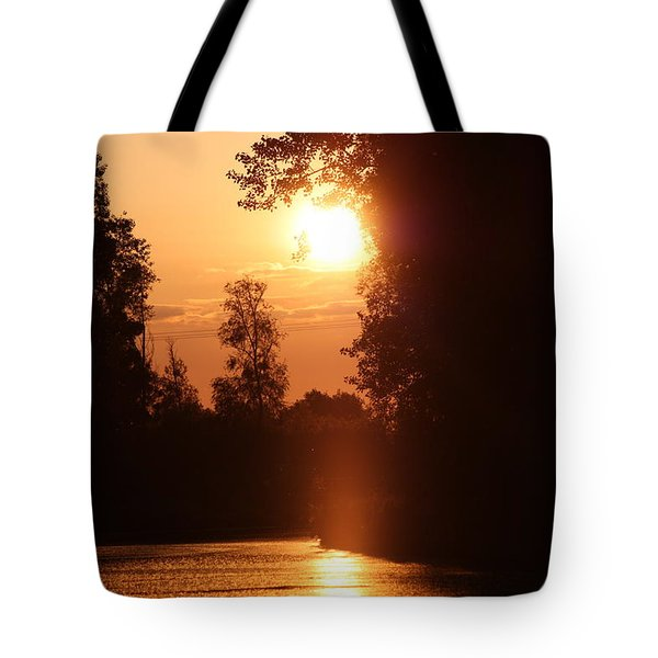 Sunset Over The Canals Tote Bag by Rogerio Mariani