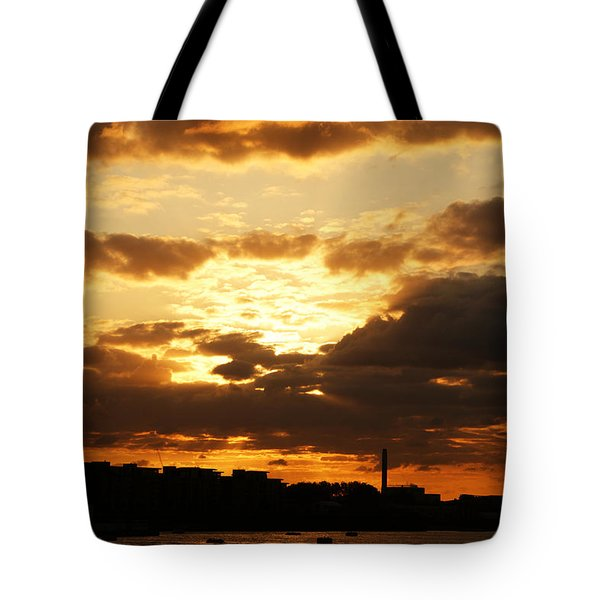 Sunset Over The Thames From Greenwich Tote Bag