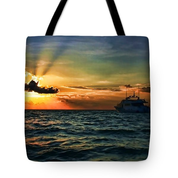 Sunset Regatta  Tote Bag