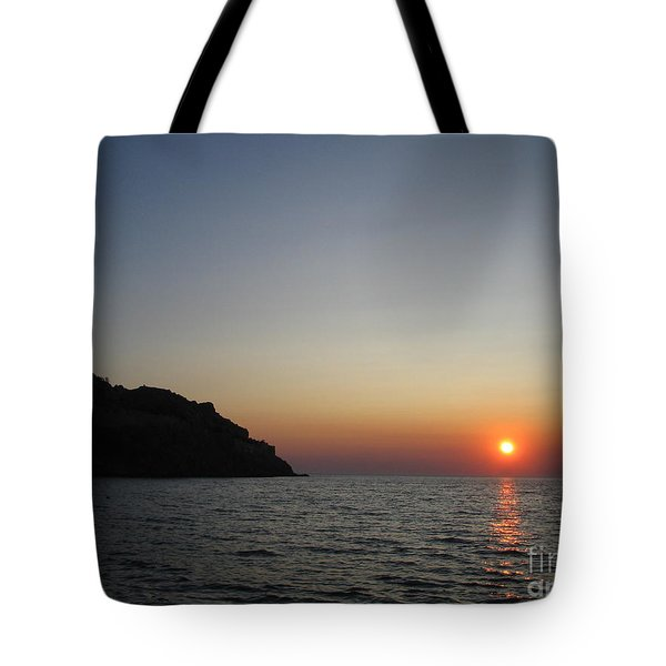 Tote Bag featuring the photograph Sunset by Vicki Spindler