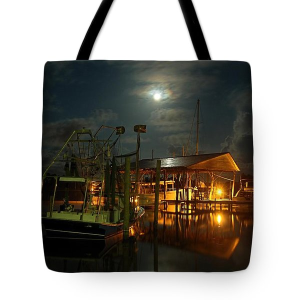Super Moon At Nelsons Tote Bag