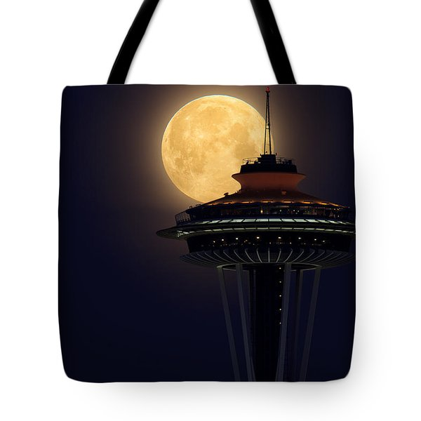 Supermoon 2012 Tote Bag by Quynh Ton