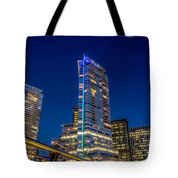 Supermoon Over Downtown Vancouver - By Sabine Edrissi Tote Bag