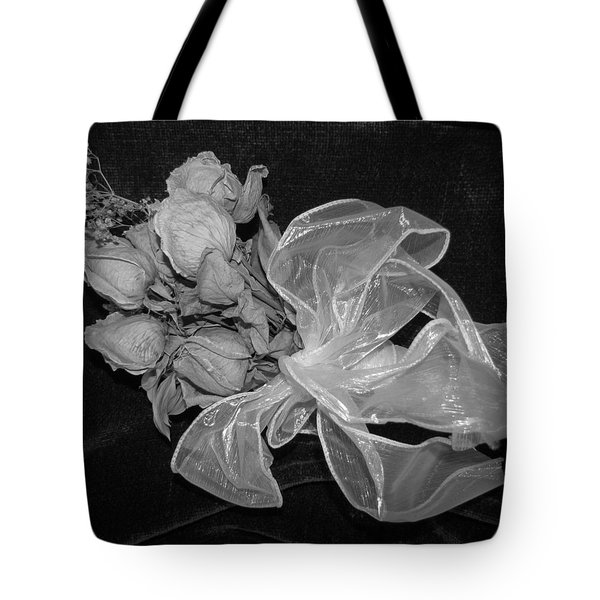 Tote Bag featuring the photograph Sweet Memory by Beth Vincent