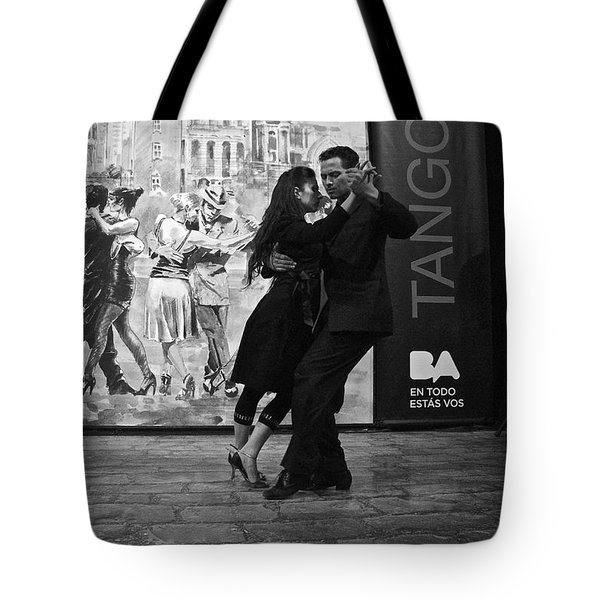 Tango Dancers In Buenos Aires Tote Bag