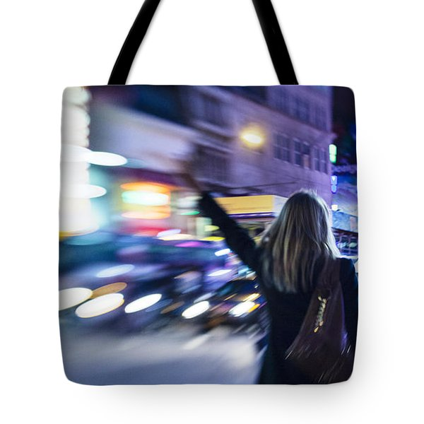 Taxi's Hunting In Manhattan Tote Bag
