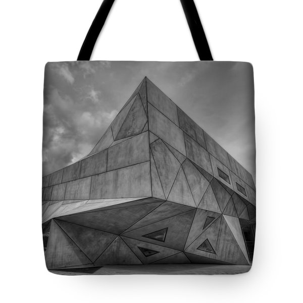 Tote Bag featuring the photograph Tel Aviv Museum  by Ron Shoshani