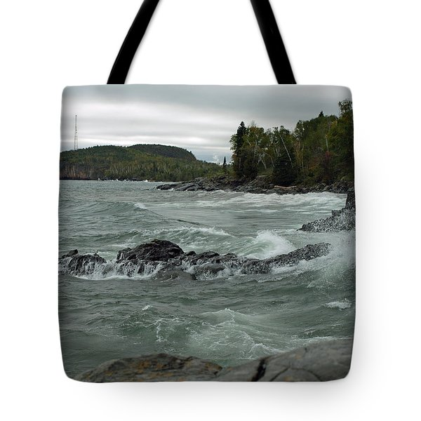 Tote Bag featuring the photograph Tettegouche State Park by James Peterson
