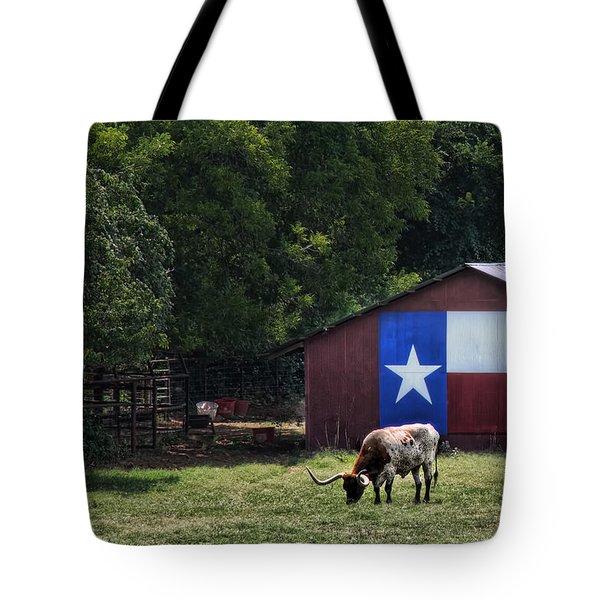 Texas Longhorn Grazing Tote Bag