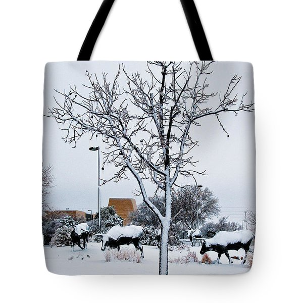 Tote Bag featuring the photograph Heritage Grounds by Mae Wertz