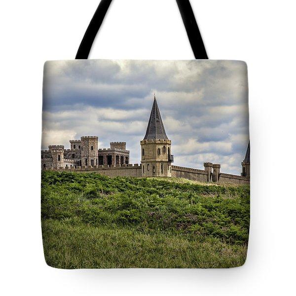 The Castle - Versailles Ky Tote Bag