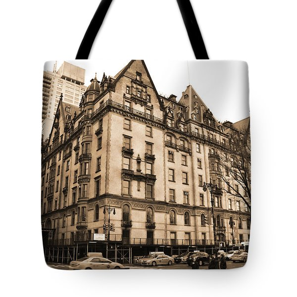 The Dakota Vintage Look Tote Bag