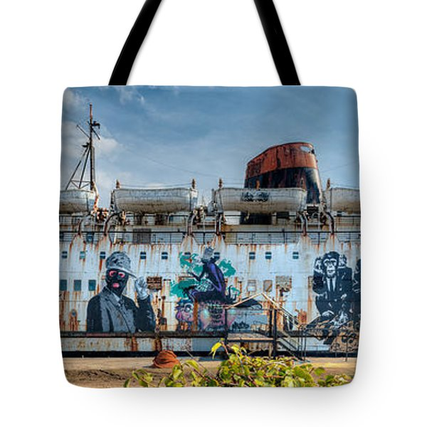 Tote Bag featuring the photograph The Duke Of Graffiti by Adrian Evans