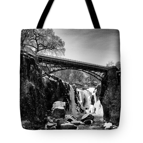The Great Falls Of Paterson In Black And White Tote Bag