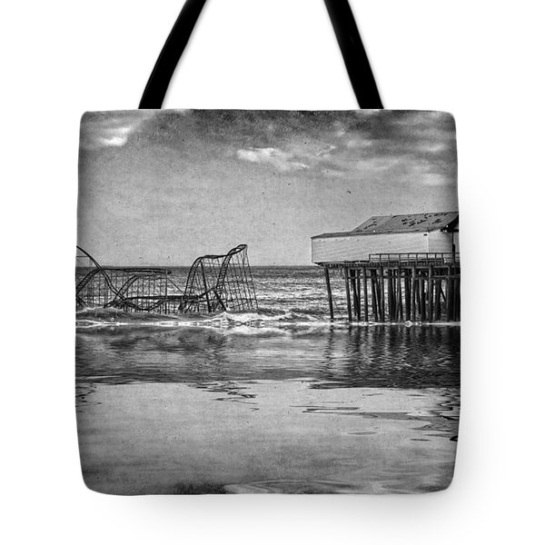 Tote Bag featuring the photograph The Jetstar by Debra Fedchin