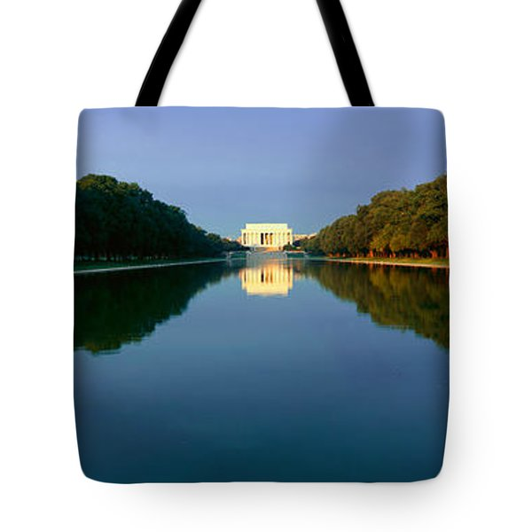 The Lincoln Memorial At Sunrise Tote Bag by Panoramic Images