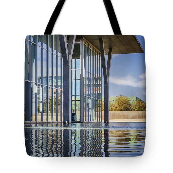 The Modern Tote Bag