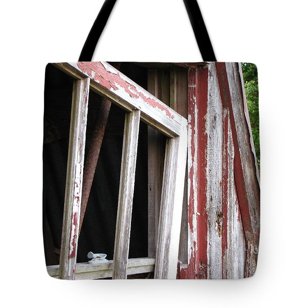 Tote Bag featuring the photograph The Old Barn by Beth Vincent