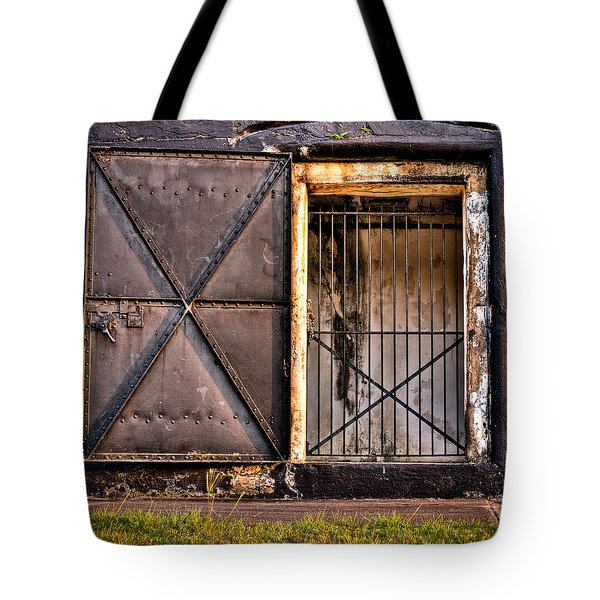 The Old Fort Gate-color Tote Bag