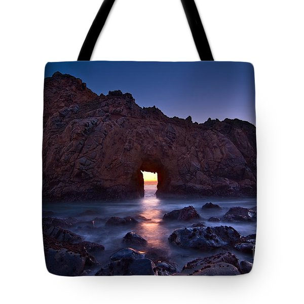 The Portal - Sunset On Arch Rock In Pfeiffer Beach Big Sur In California. Tote Bag by Jamie Pham