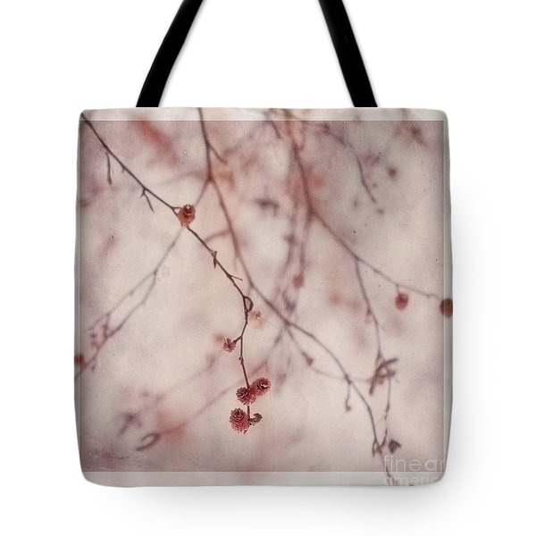 The Purr Of Autumn Tote Bag by Priska Wettstein
