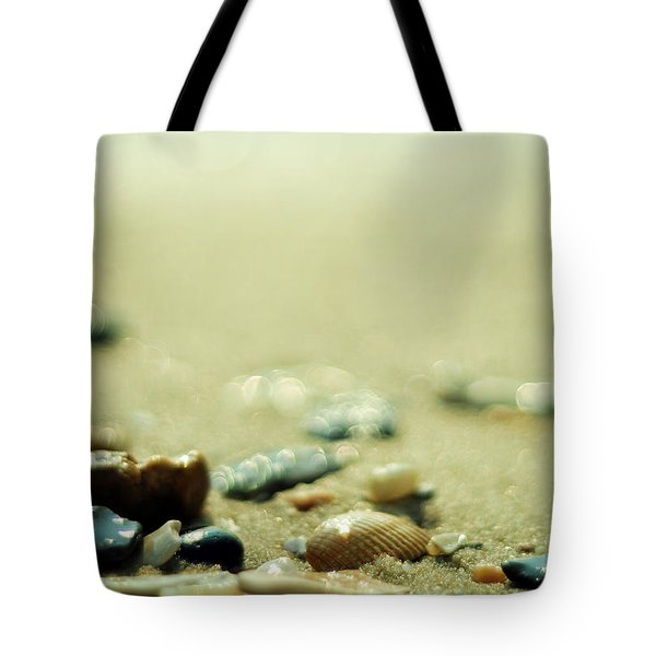 The Vanishing Tote Bag