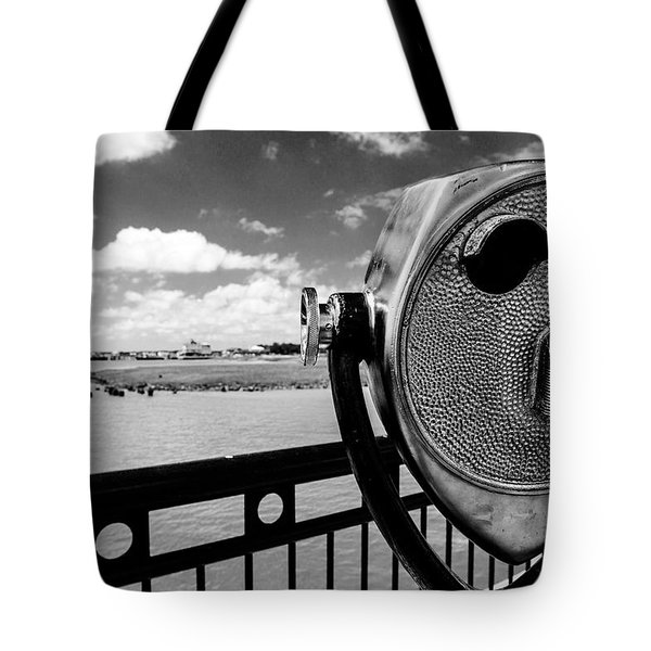 Tote Bag featuring the photograph The Viewer by Sennie Pierson