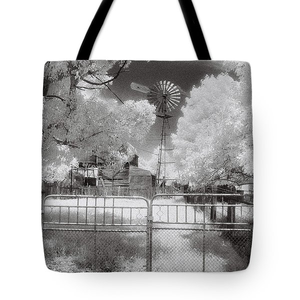 There's No Place Like Home Tote Bag by Linda Lees