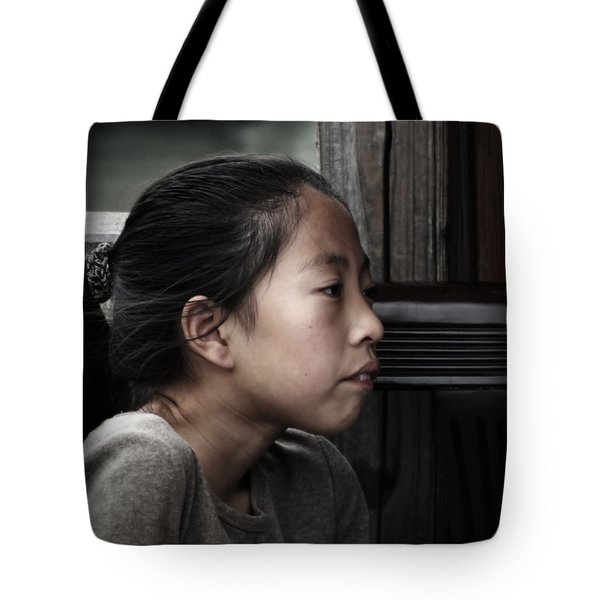 Tote Bag featuring the photograph Thoughts by Lucinda Walter