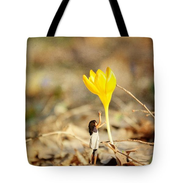 Thumbelina And The Crocus Tote Bag