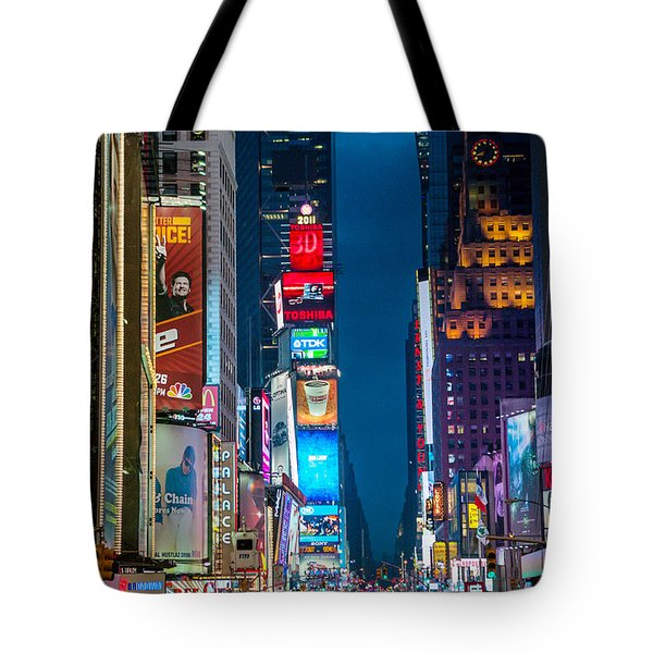 Tote Bag featuring the photograph Times Square I by Ray Warren