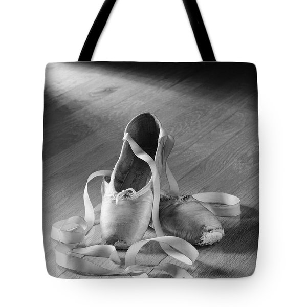 Toe Shoes Tote Bag by Tony Cordoza