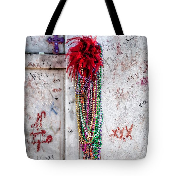 Tomb Of Marie Laveau New Orleans Tote Bag by Kathleen K Parker