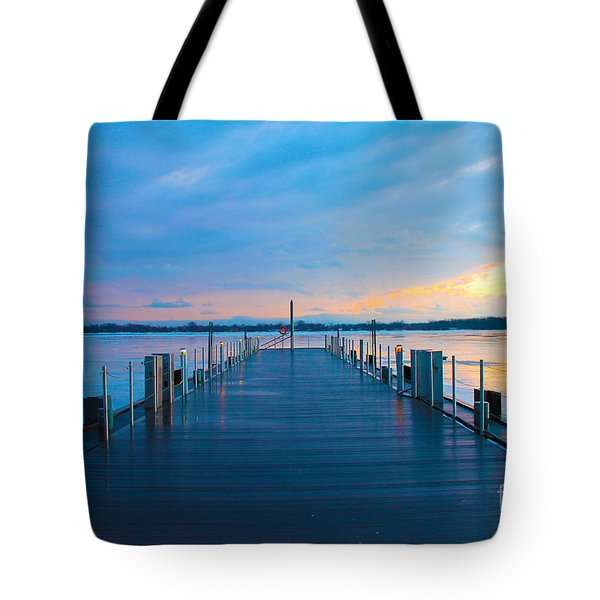 Toronto Pier During A Winter Sunset Tote Bag